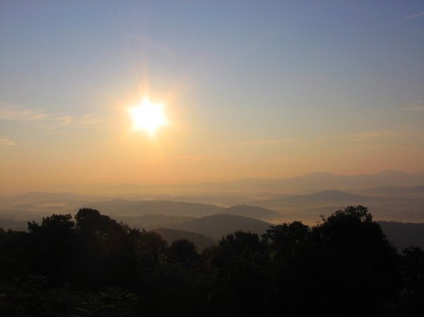 StarMist: Sun over Virginia valley