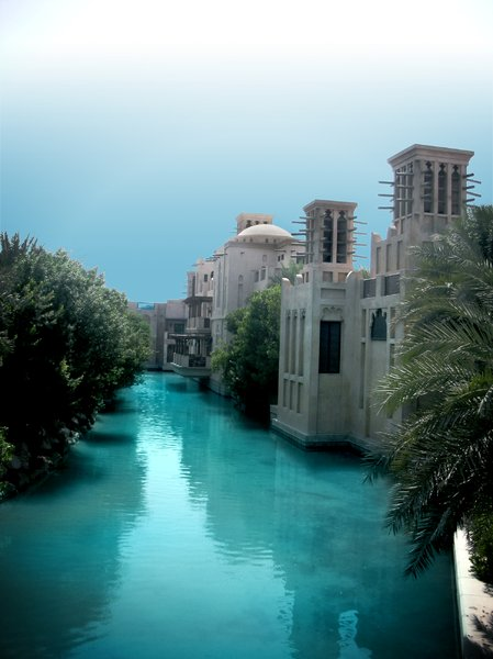 Palace Moat: View of a moat around a palacial structure.The place is Quaid Madinat Jumeirah, near the Burj Al Arab hotel in Dubai.