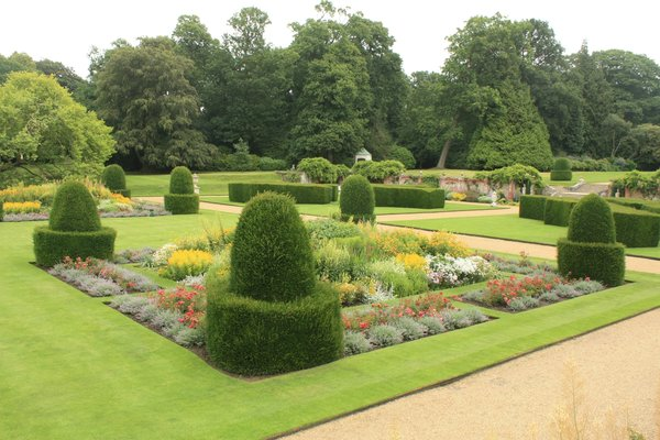 Country House Gardens: Gardens of Blickling Hall near Norwich