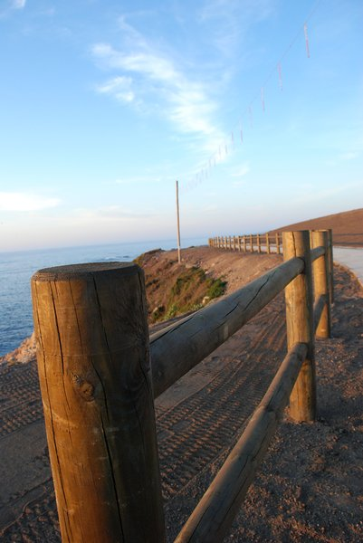 Fence to the ocean 1