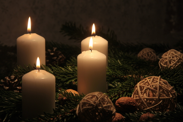 Christmas candles 1: Warm Christmas  canles with decoration