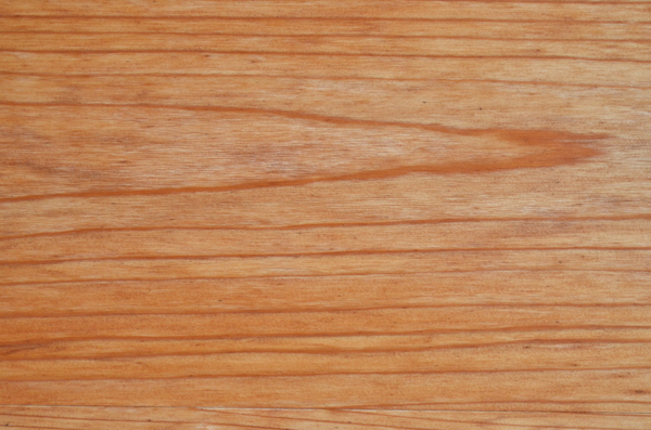 Wood grain: Pronounced wood grain texture.