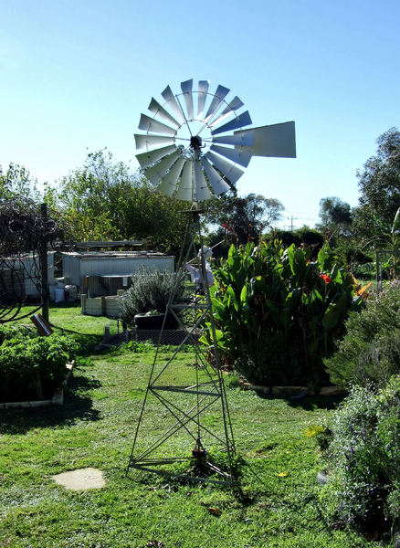backyard windmill1: windmill on semi-rural property