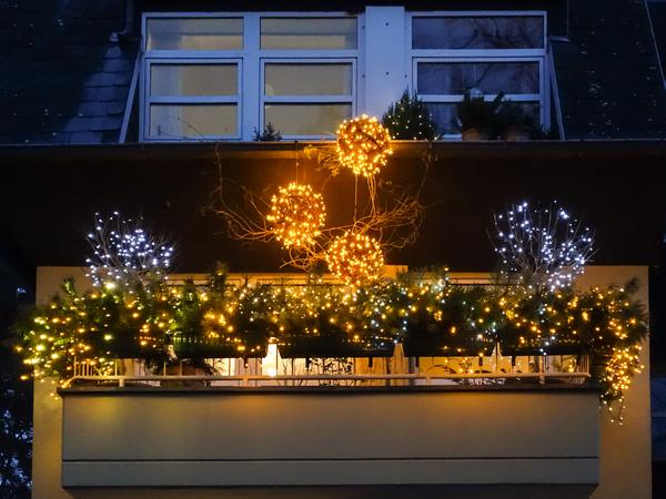 Balkon Beleuchtung Weihnachten | Kostenlose Stock Fotos Rgbstock Kostenlose Bilder Weihnachten
