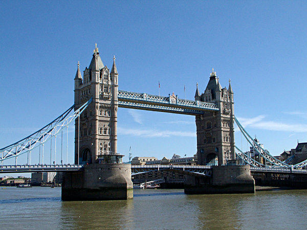 tower bridge: world famous bridge straddling the banks of the thames in the heart of london