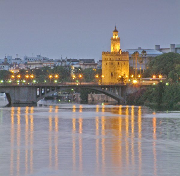 Torre del Oro 2: Tower of the Gold of Seville. The place where the gold coming from America to Spain in he XVI century was saved. In fact, at that time Seville was one of the bigger city of Europe.