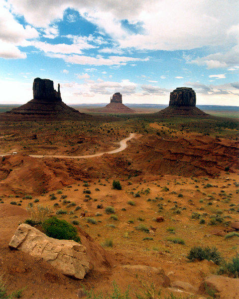monument valley 2: landscape of monument valley