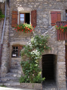 France is beautiful: Such pittoresque houses still exist....... It seems you're back in the medieval times