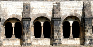 Romanesque arcade in german ch: Aracades in german medieval church