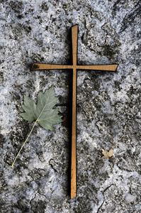 Cross: Cross on tombestone