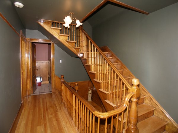 Old Oak stair case: No description