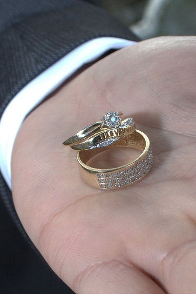 Wedding Rings: Bride & Groom wedding rings