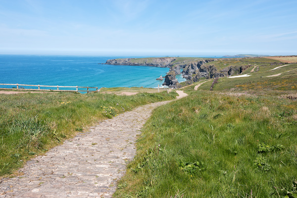 Coastal footpath: A coastal footpath near Bedruthan Steps, northern Cornwall, England.