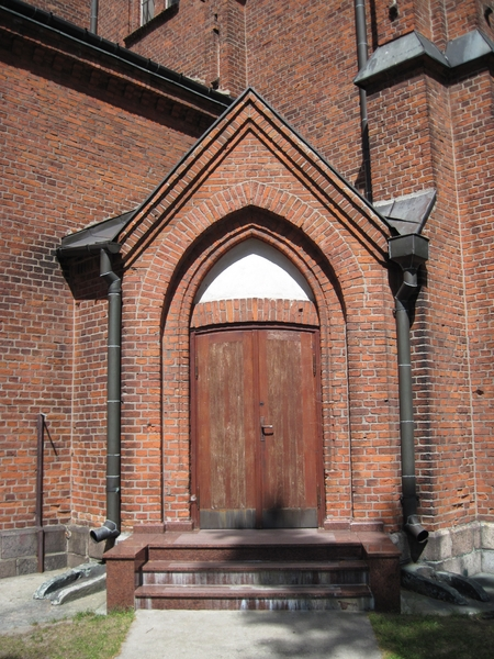Old door: A door to a church.