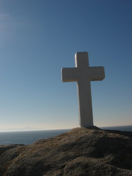 Crosses 3: White crosses in the seashore