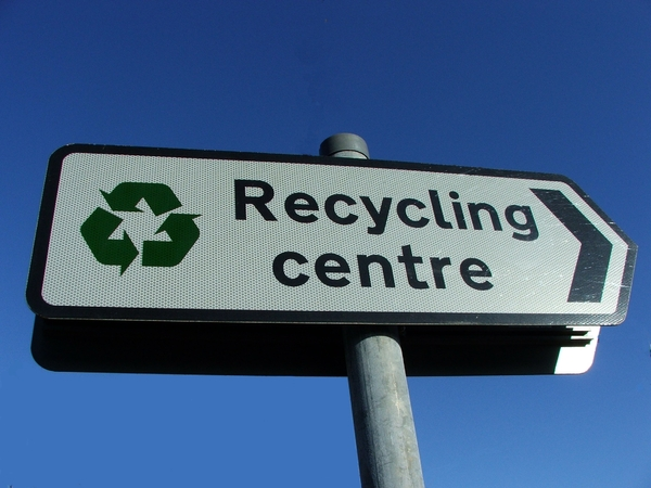 Recycling: Sign showing direction of recycling centre