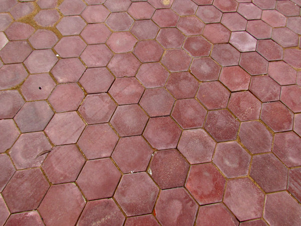 hexagonal paving: coloured courtyard paving
