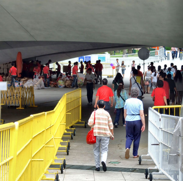 following the crowd2: barrier guided crowded pedestrian underpass pathway