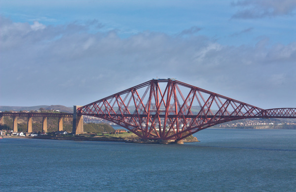 Forth Rail Bridge: The iconic Forth Rail Bridge in Scotland