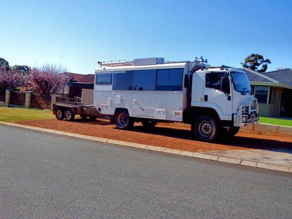 on-off road vehicle1: all terrain mobile home/campervan for outback Australian travel