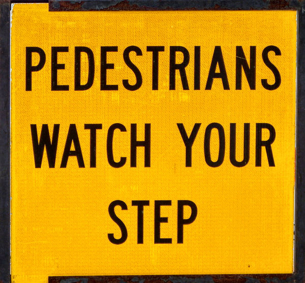 traffic sign4: traffic sign for road work under construction - warning footpath pedestrians