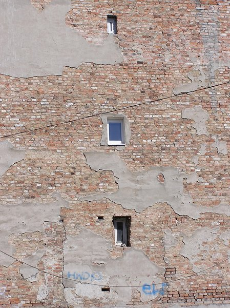 Slums / Old wall with windows