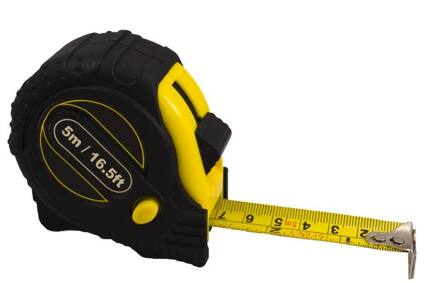 Measuring tape: Metal retractable measuring tape