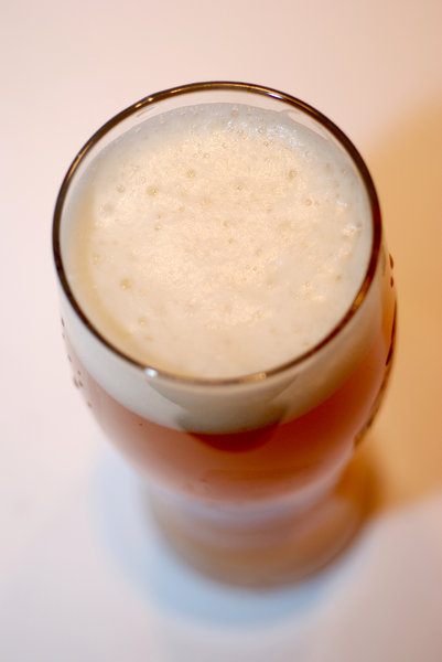 Wheat-germs in the growler 3: Misty beer with foam