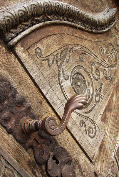 rusty rustic: rustic old door