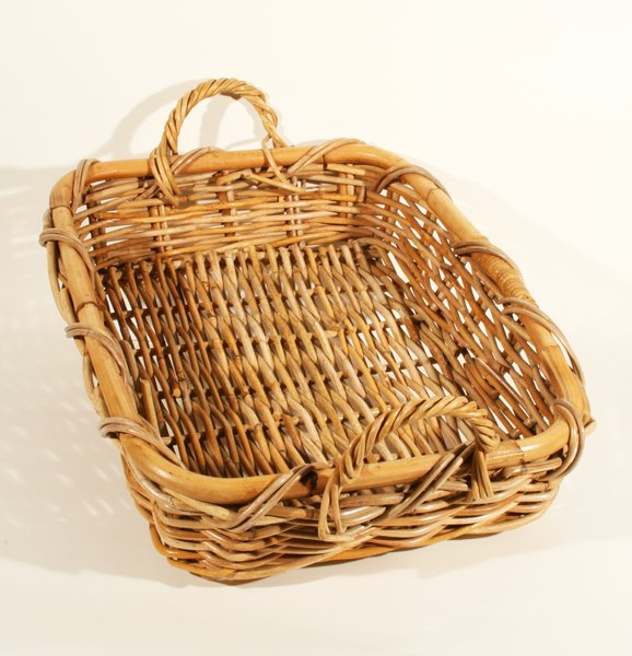 Serving Basket: A quality basket used to serve breads or larger items.