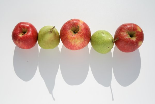 Who is bigger now?: fruits with shadows - size competition :-)