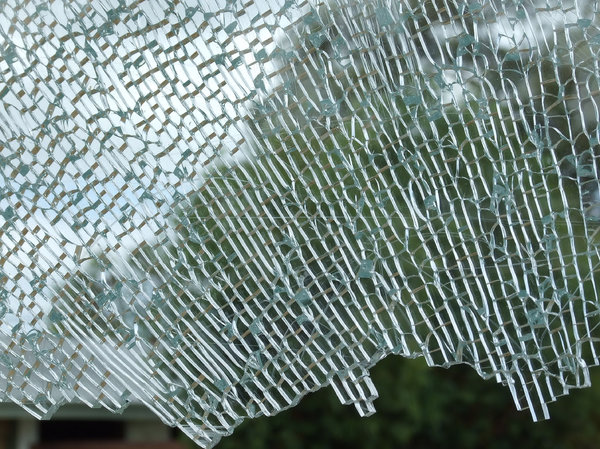 shattered glass,