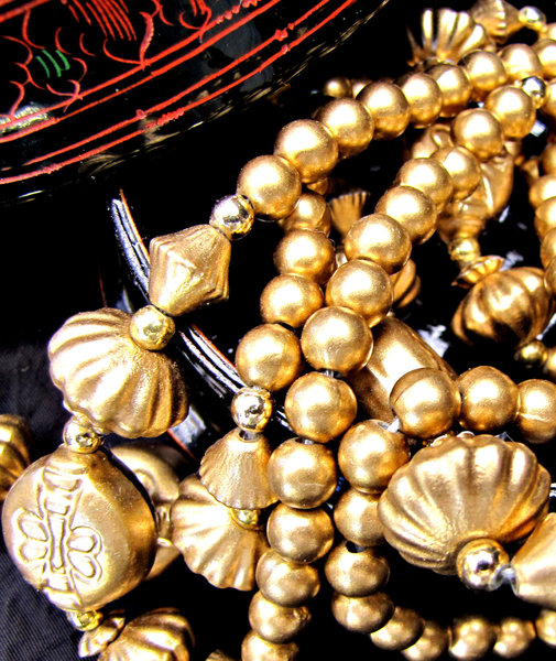 golden baubles and beads: necklaces - costume jewellery - baubles and beads