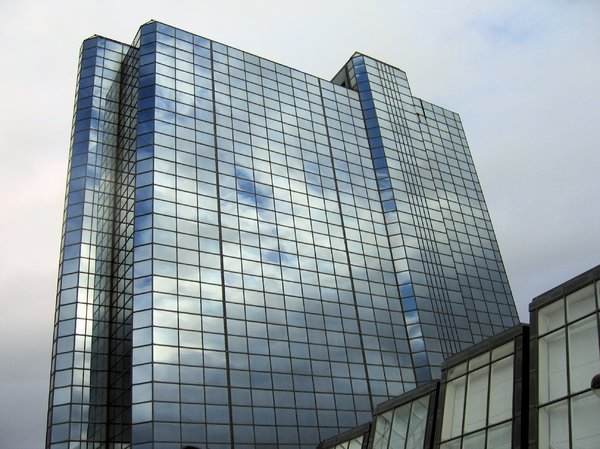 glass scyscraper: glass scyscraper, a hotel building in Glasgow, Scotland