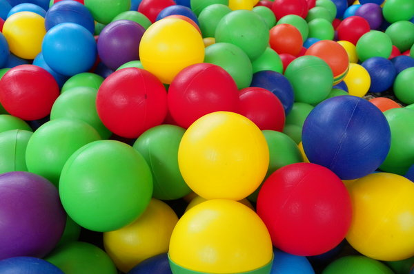 Colored balls: pictures of pool balls