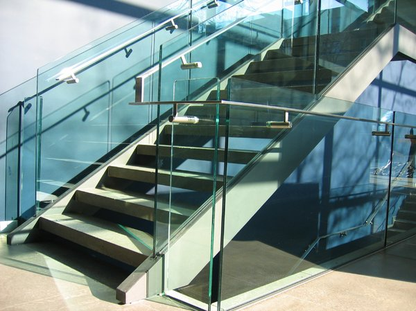 modern glass staircase: modern glass staircase