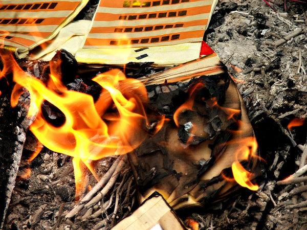 burning joss paper: expressing filial piety through burning joss paper