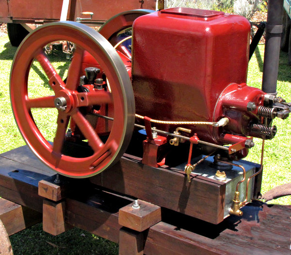 power machines: old, historic working engines