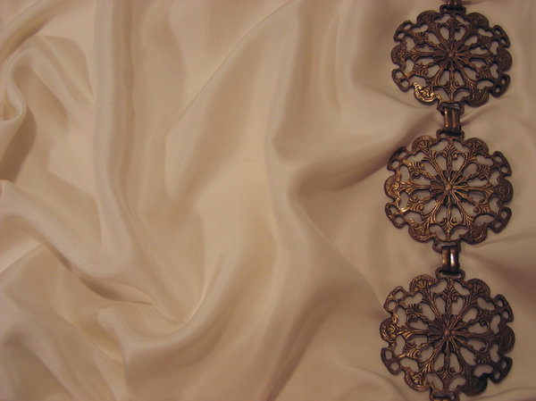silk texture metal ornaments 2