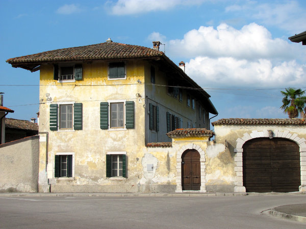 italian house: picturesque house near Aquileia, Italy