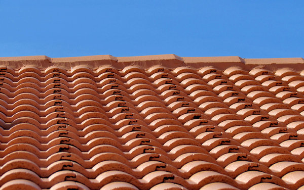 roof restoration15: cleaning and painting roof tiles for restoration