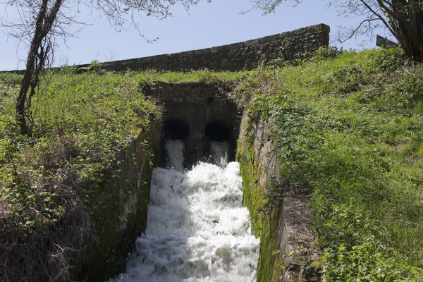 Water aeration: Water aeration from a dam outflow in West Sussex, England.