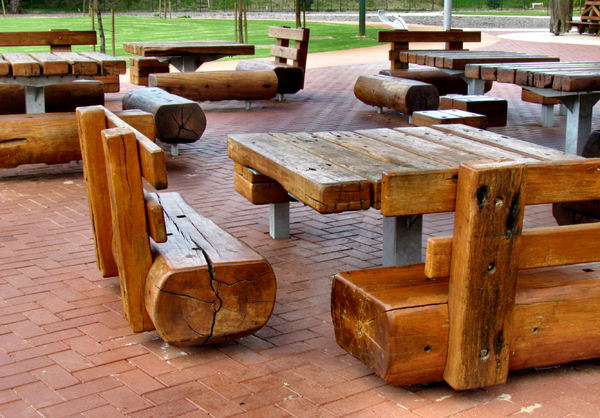 rustic picnic furniture1