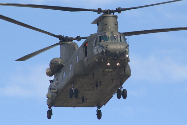 Chinook helicopter overhead fl: Chinook helicopter overhead flyby