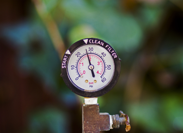 Pressure Gauge: This gauge is mounted on a swimming pool filter
