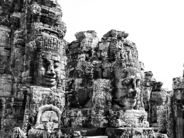 ancient angkor faces7