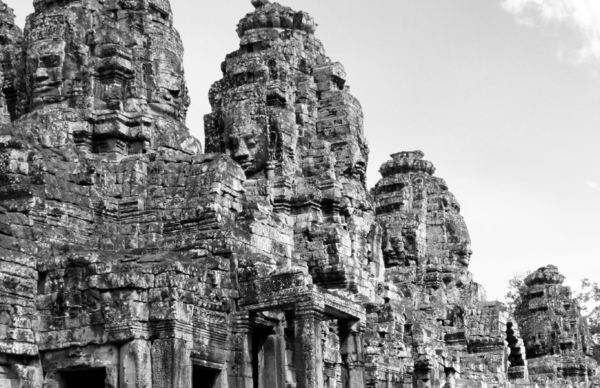 ancient angkor faces15
