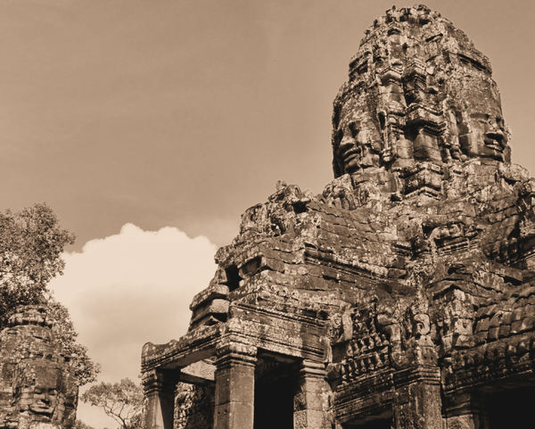 ancient angkor faces18
