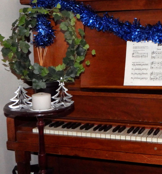 piano Christmas decorations