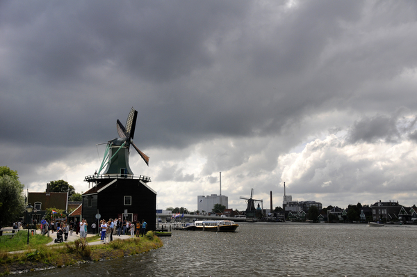 Holland: Dutch landscape with windmills, near Amsterdam